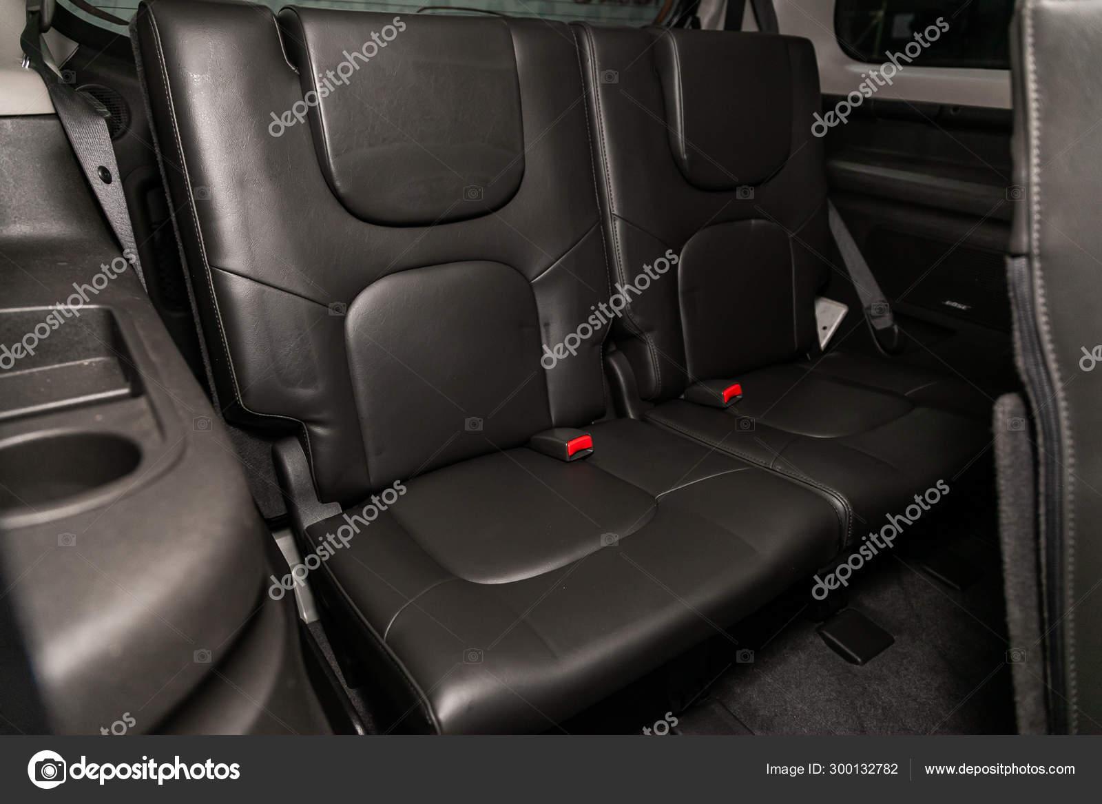 Novosibirsk Russia Agosto 2019 Nissan Pathfinder Design Interiores Couro Preto Fotografia De Stock Editorial C Everyonensk 300132782
