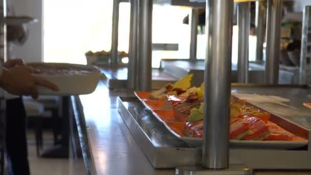 Složení jídel v restauraci. Cateringové služby