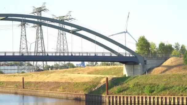 Ökostrom. Windturbinen Strom erzeugen