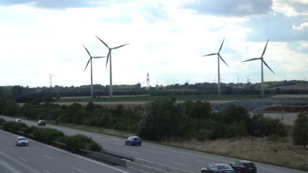 Eco power. Turbine eoliche, generazione di energia elettrica.