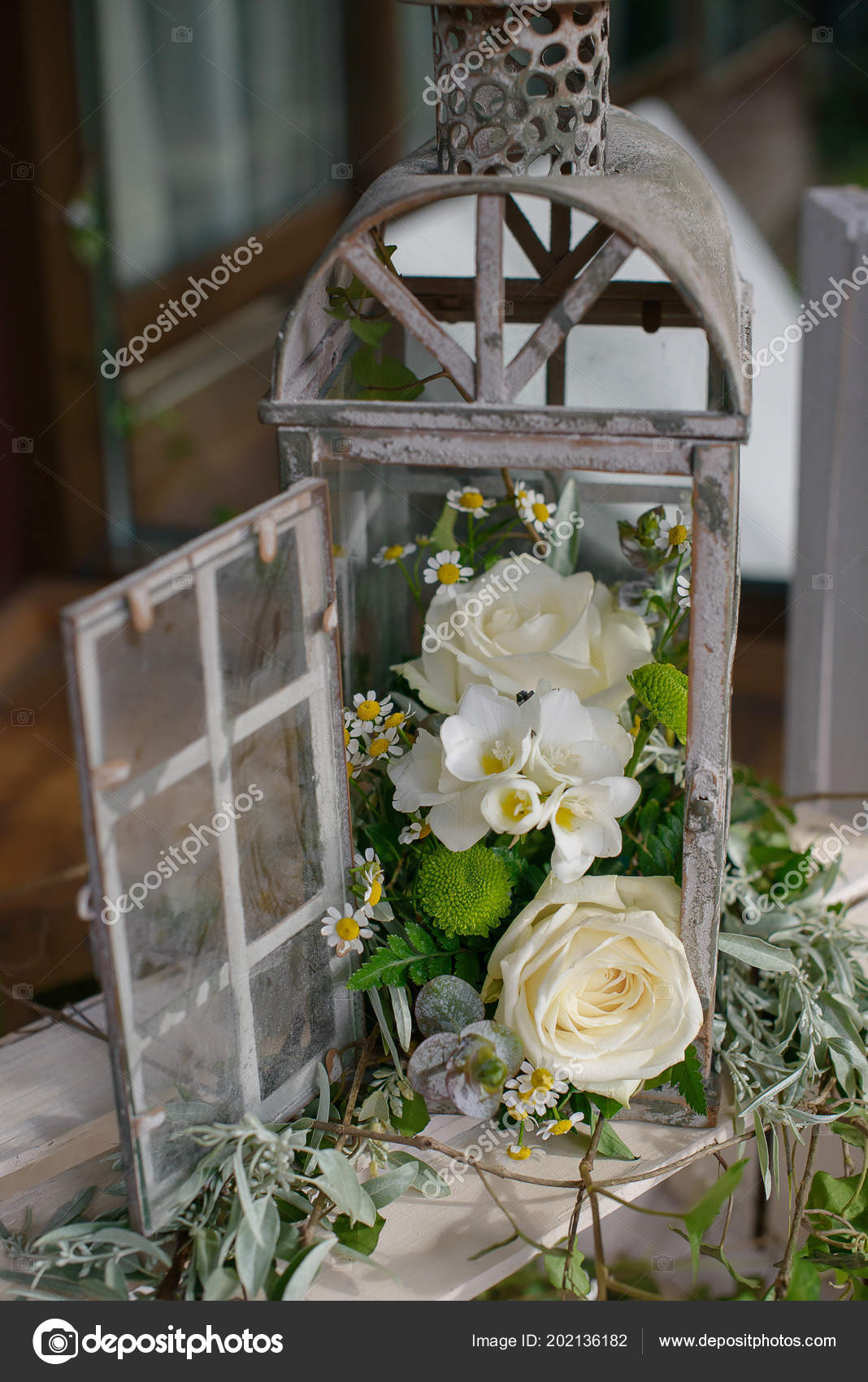 Rustic shabby chic wedding ideas | Old Vintage Candle Cage Lantern  Repurposed Rustic Shabby Chic Wedding — Stock Photo © AnaIacobPhotography  #202136182