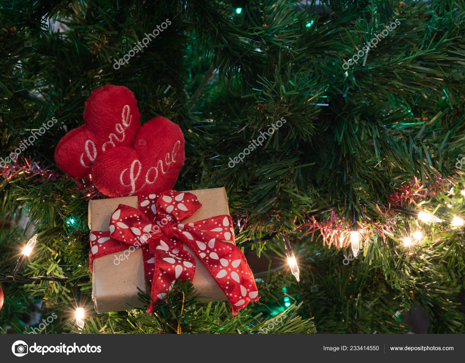 Beautiful love hearts and home decorated christmas tree with baubles and gift boxes,Christmas background– Imagen de Archivo
