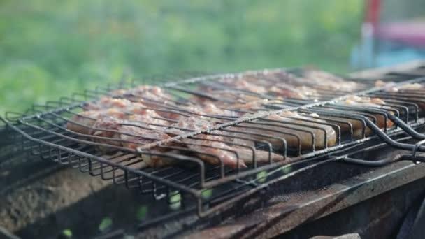 Csirke szárny készítik a barbecue