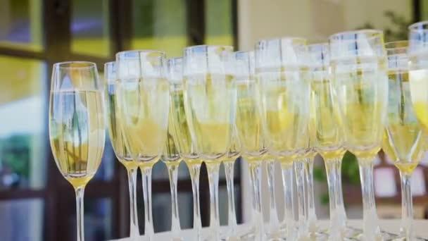 Gläser Champagner in Großaufnahme