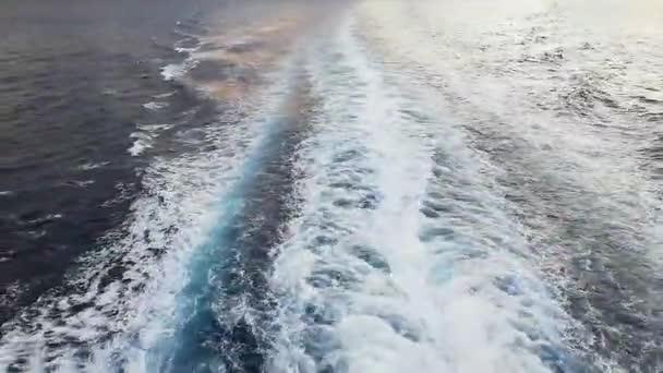 Ship engine waves during a navigation