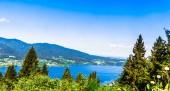 Fotografie Blick auf schöne See Tegernsee umgeben von Bergen in Bayern - Deutschland