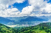 Fotografie Panoramablick auf die Berge neben See Tegernsee in Bayern - Deutschland