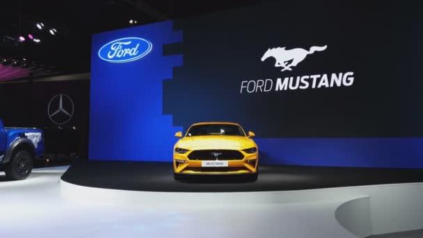 Nonthaburi - 28. listopadu: Ford Mustang auto na displeji v 35 Thajsko mezinárodní Motor Expo na 28 listopadu 2018 v Nonthaburi, Thajsko