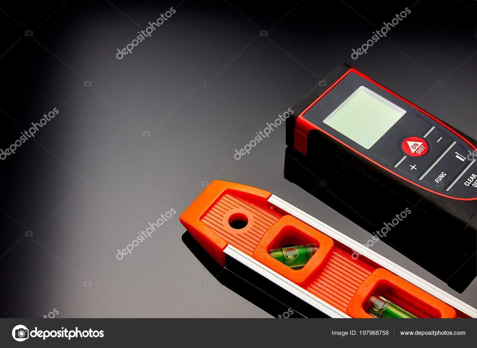 Optischen ebene laser entfernungsmesser und einem bleistift auf dem