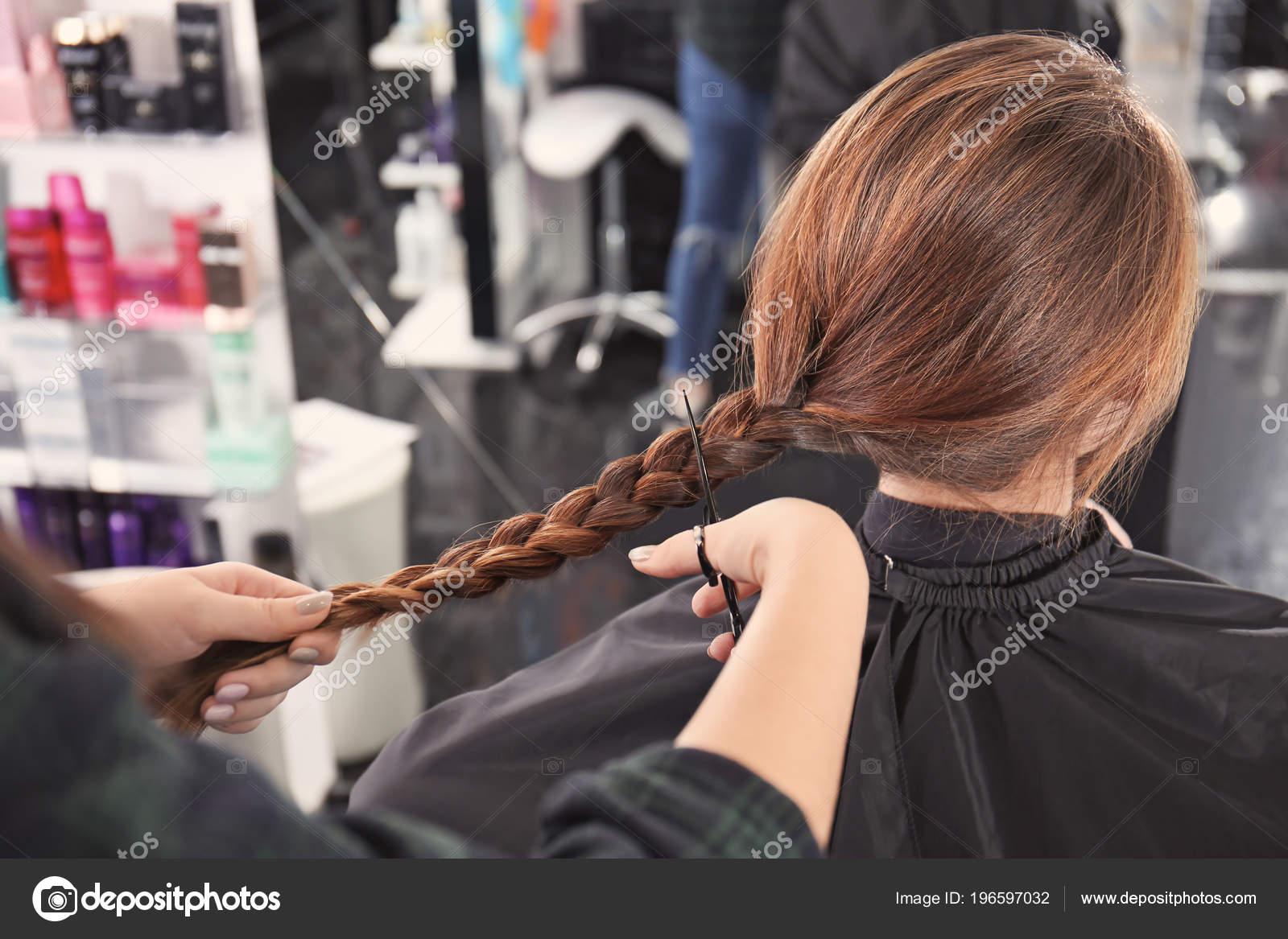 Но вот увидеть тонкие, слабые, секущиеся волосы — к беде.