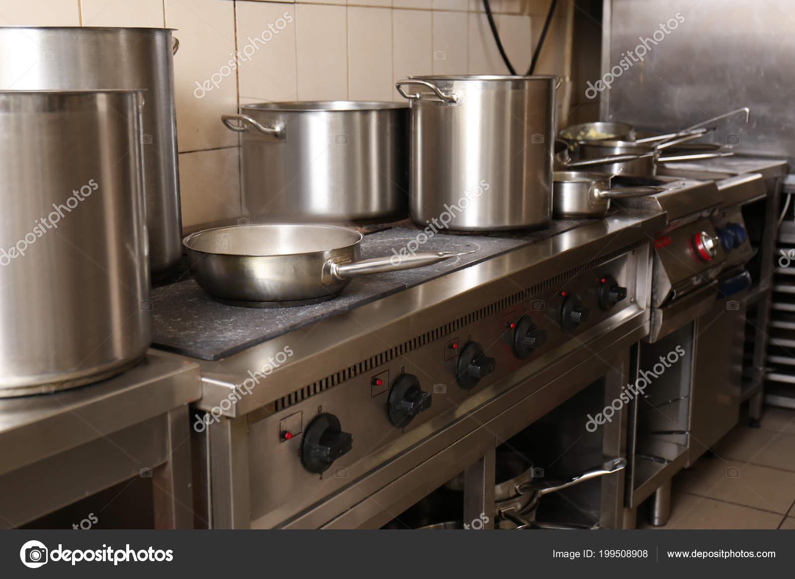 Matériel Professionnel Avec Ustensiles Cuisine Restaurant
