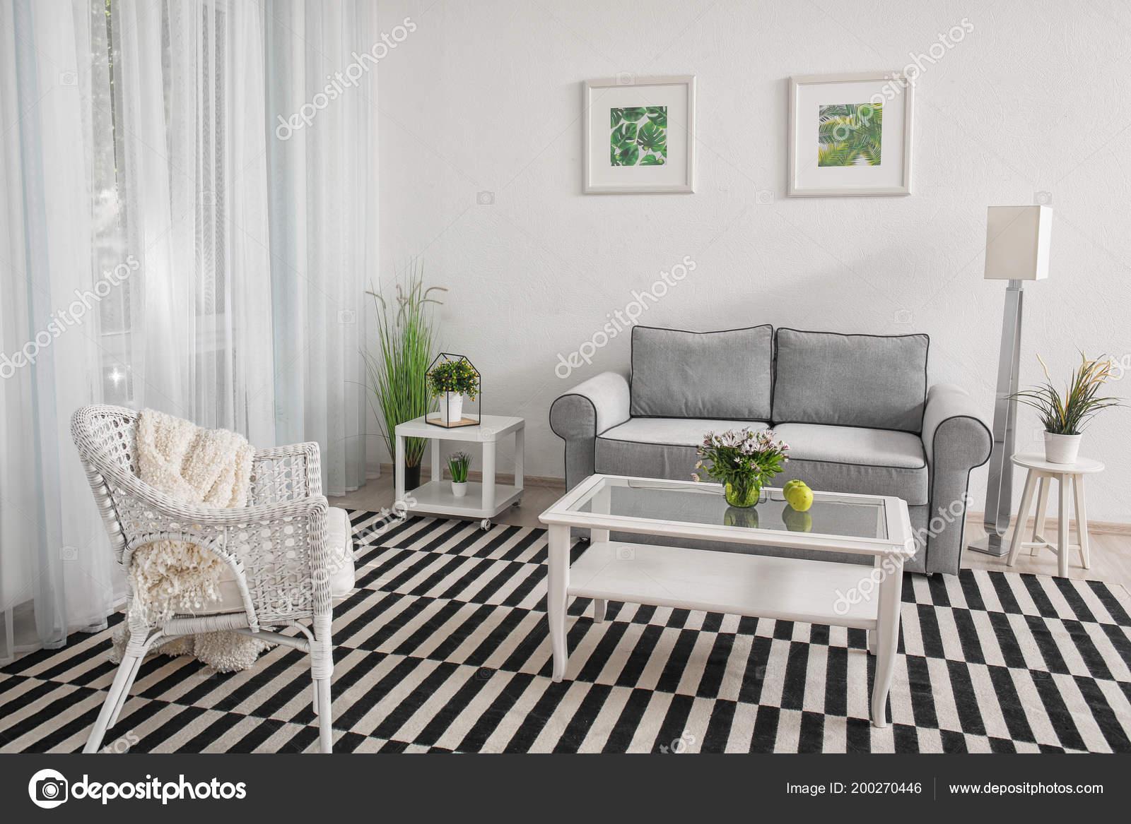 Sala Estar Moderno Design Com Grande Tapete Listrado U2014 Fotografia De Stock