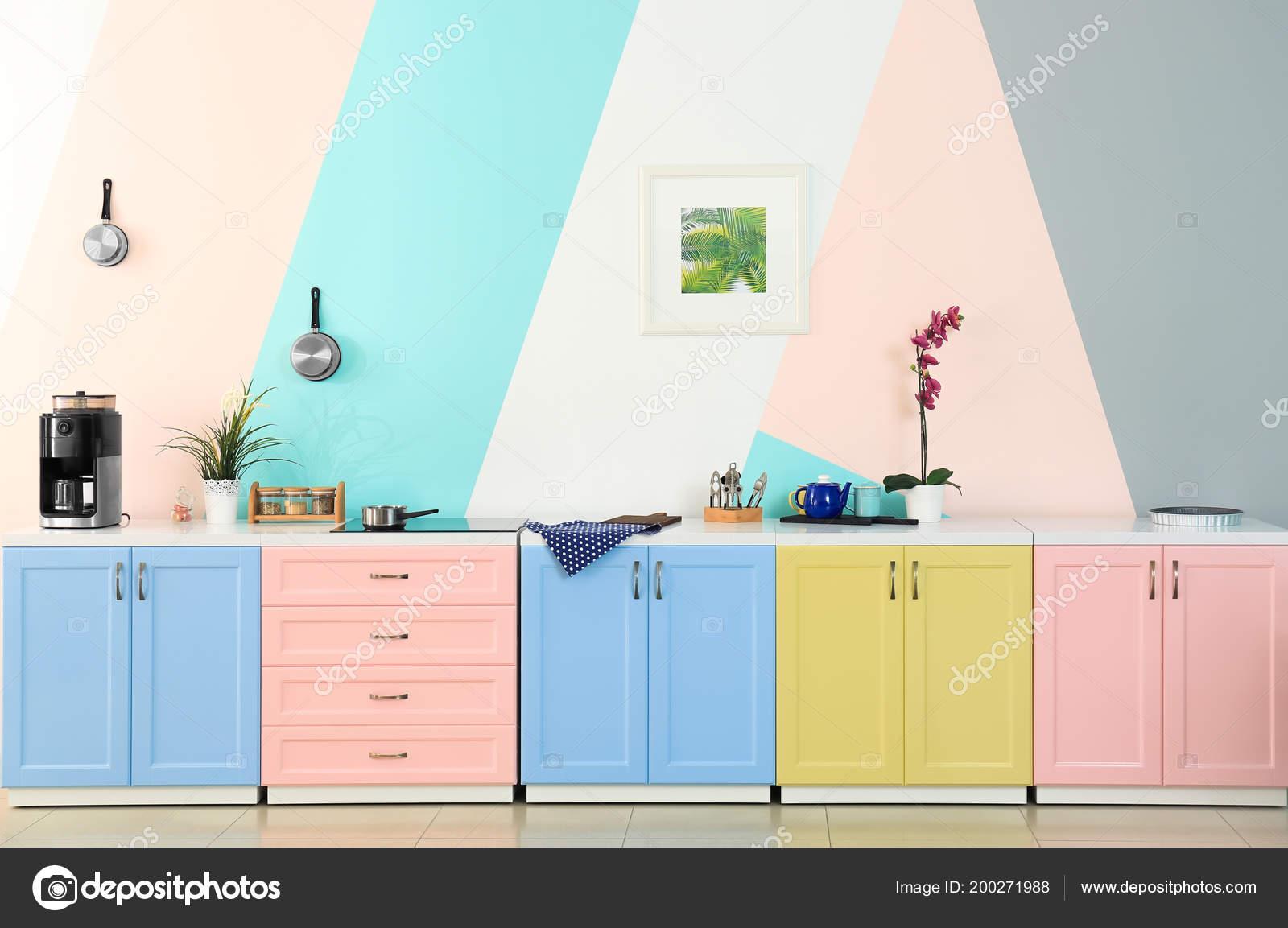 Muebles Cocina Fondo Pared Color — Foto de stock © belchonock #200271988