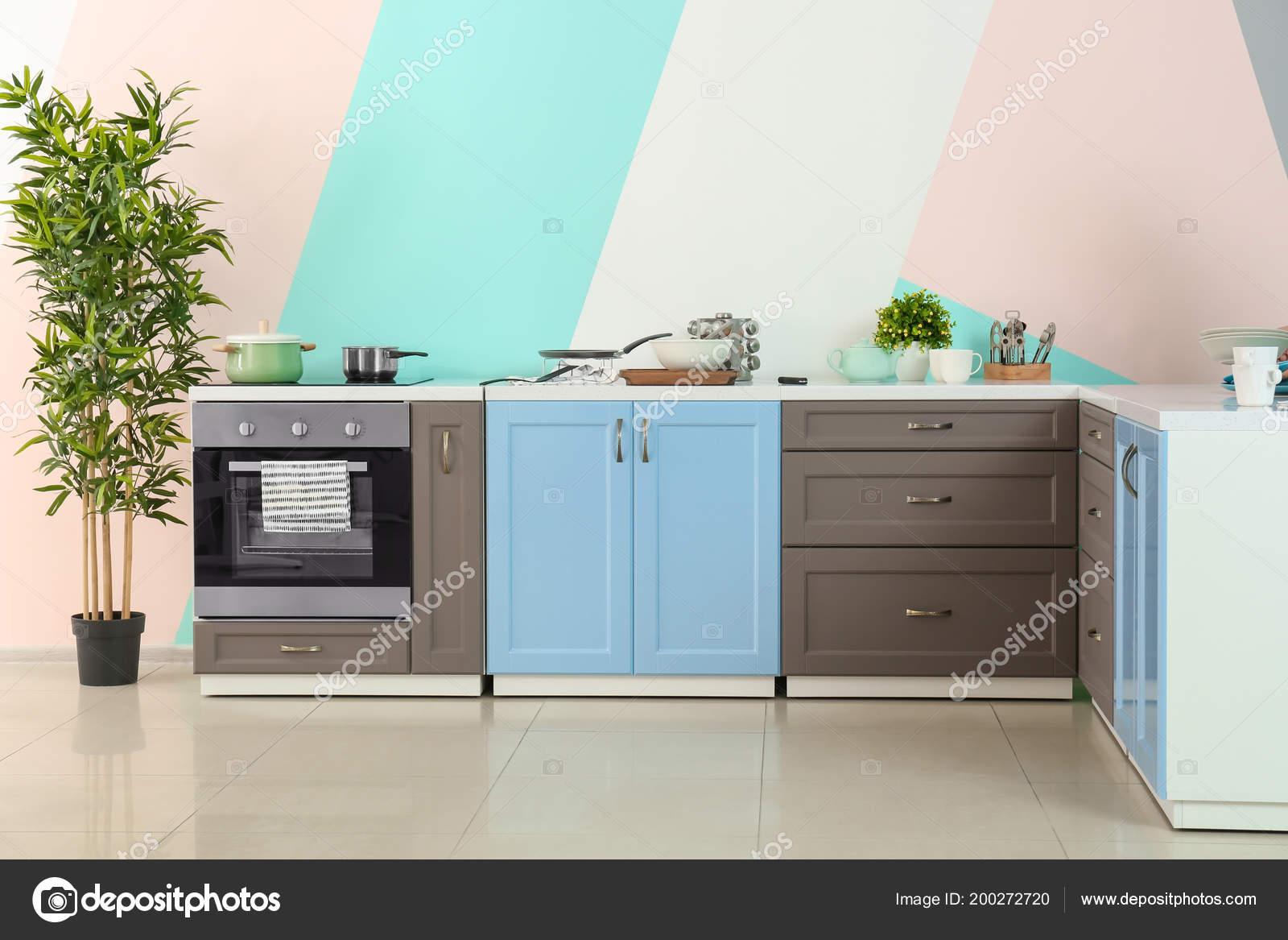 Muebles Cocina Fondo Pared Color — Fotos de Stock © belchonock ...