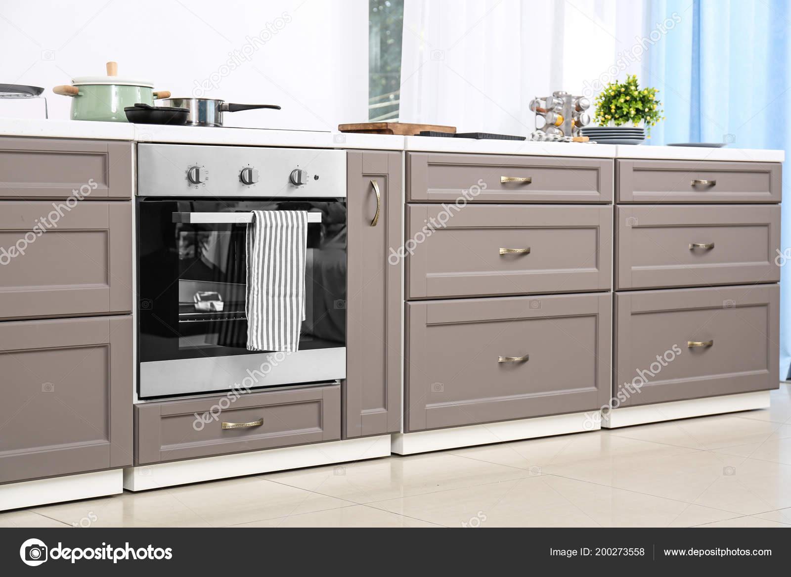 Muebles Cocina Moderna Con Estufa Eléctrica — Foto de stock ...