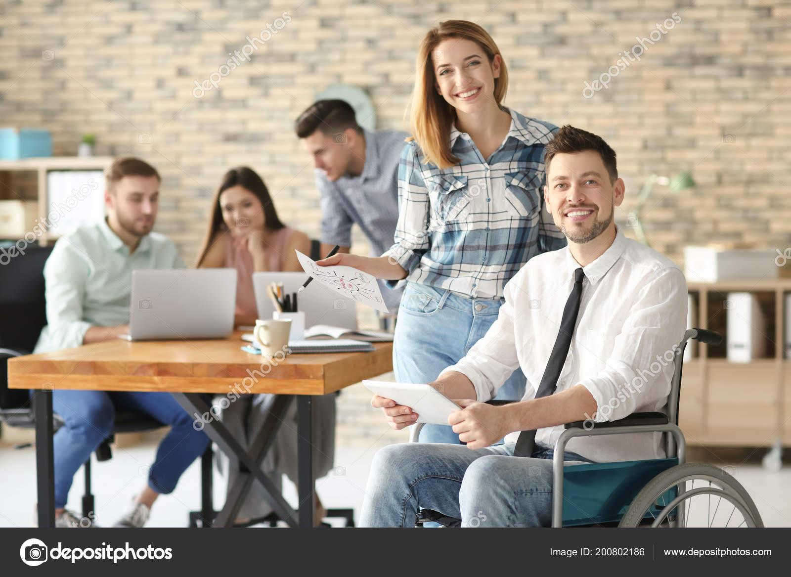 Flirter avec collegue travail