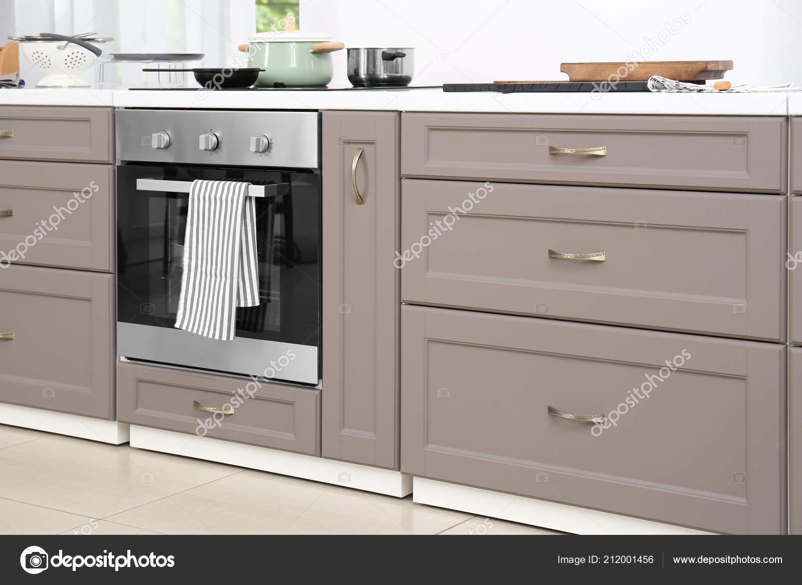 Meubles Cuisine Moderne Avec Plaque Cuisson Électrique ...