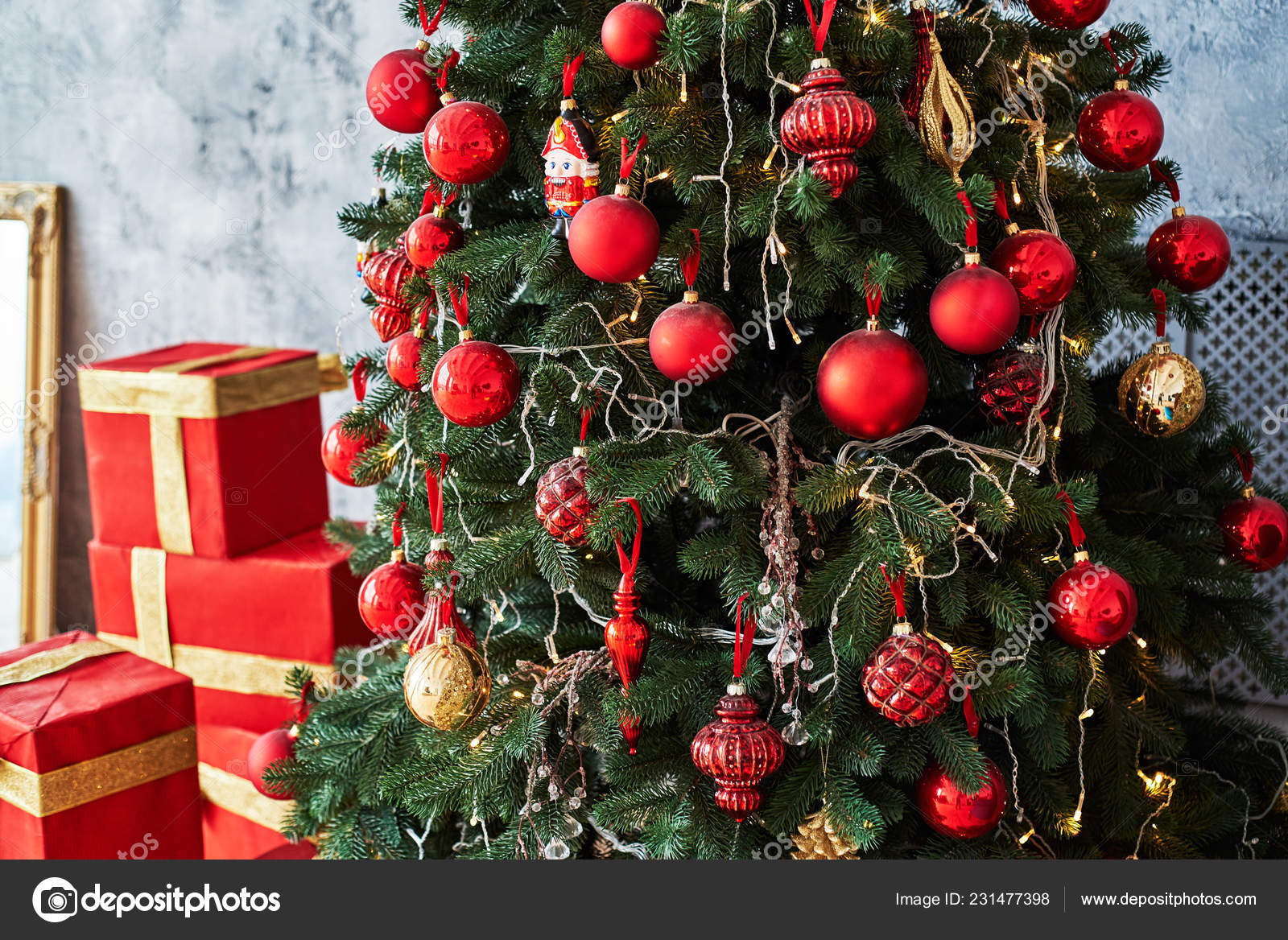 Christmas Tree Decorated Red Gold Baulbes Gift Boxes Golden Ribbon Stock Photo Image By C D Duda 231477398