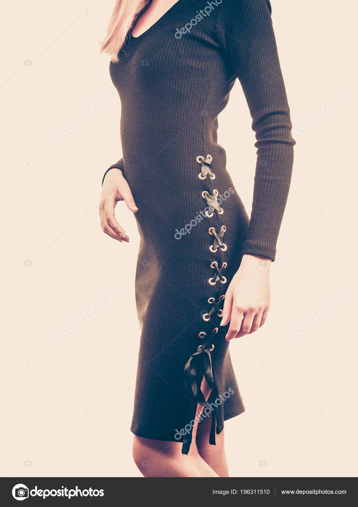 6f95f4ac8 Mujer Irreconocible Con Vestido Corto Falda Moda Mujer Traje Actual ...