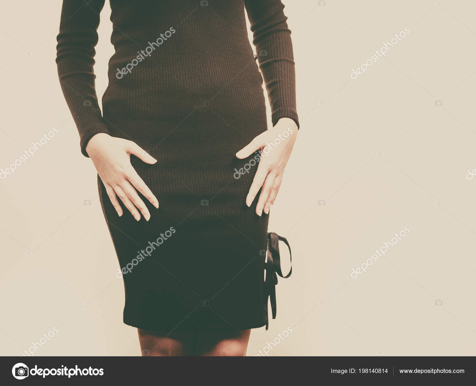 0d18b8f7af98 Mujer Irreconocible Con Vestido Corto Falda Moda Mujer Traje Actual ...