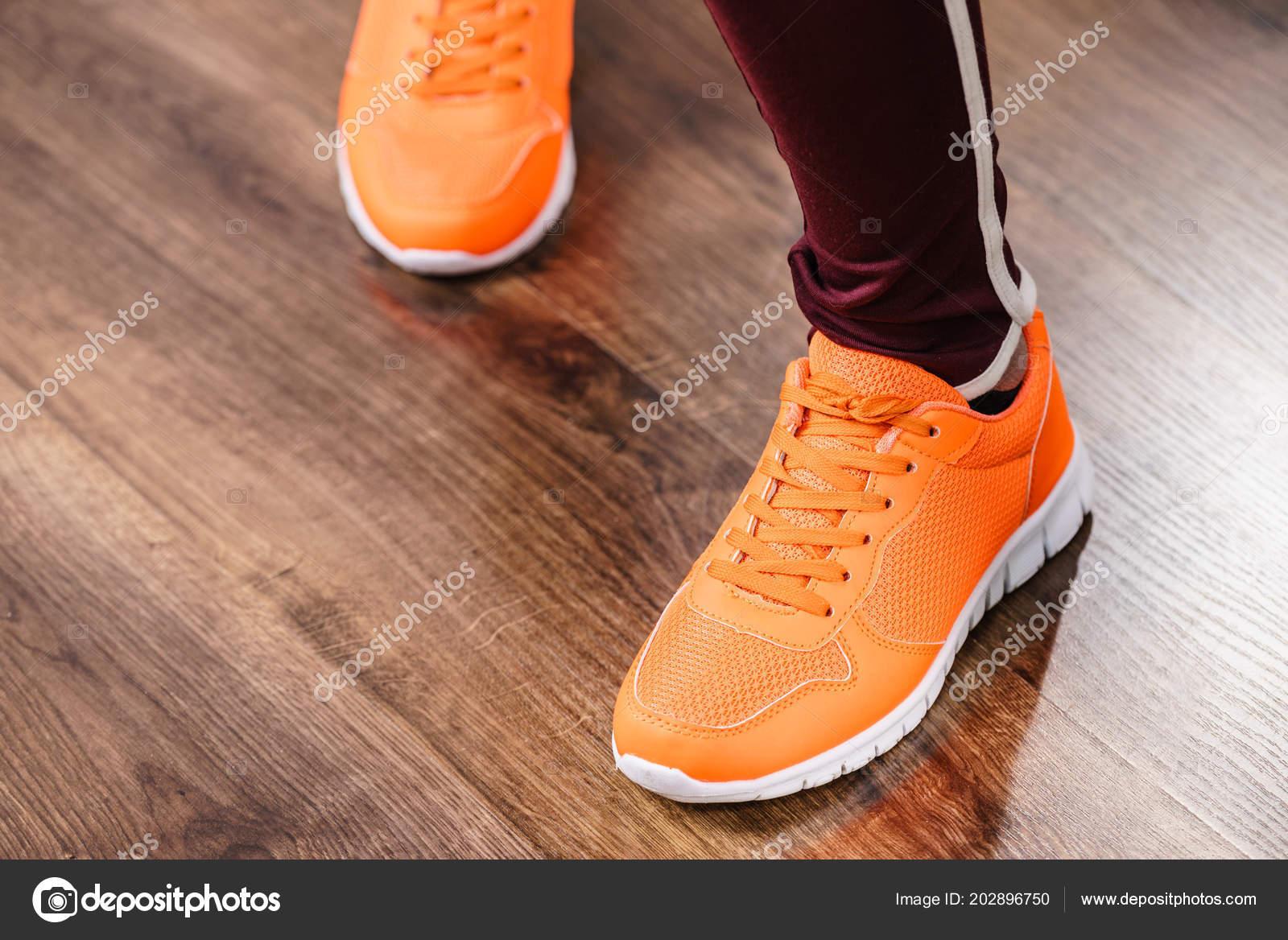Visel Sportruházat Oktatók Piros Cipő Kényelmes Cipő Tökéletes Edzést Edzés  — Stock Fotó 246c3bca67