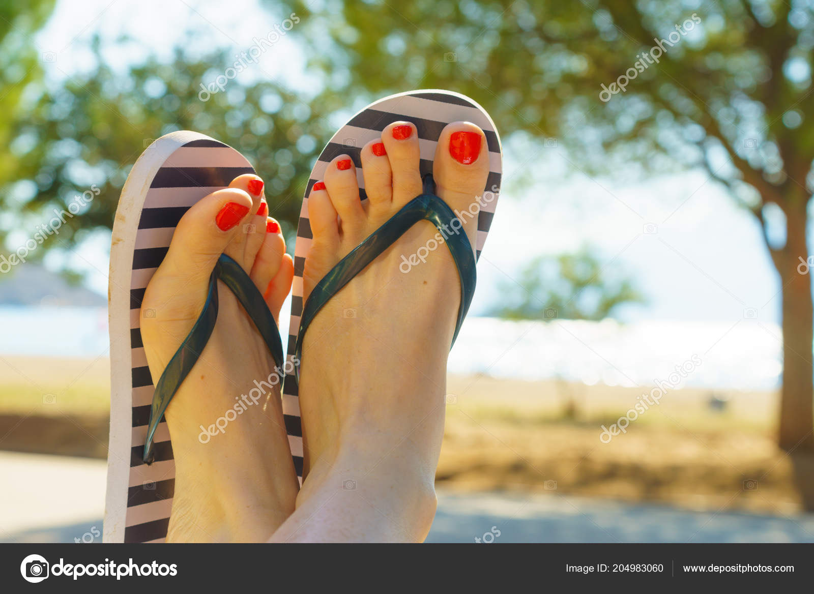 Opinion you painted toenails and flip flops something is