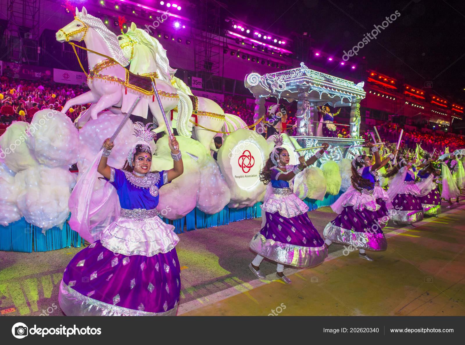 Singapur Feb Los Participantes Desfile Chingay Singapur Febrero 2018