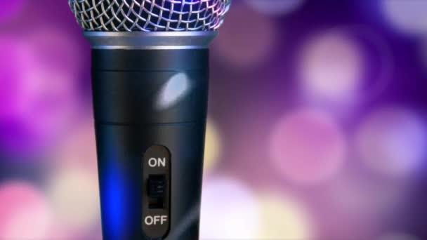 Mikrofon mozog homályos bokeh körök háttér