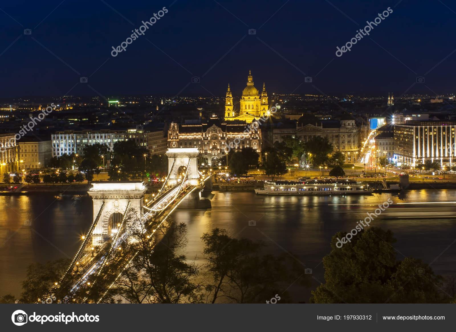 Nocturna Ciudad Budapest Foto De Stock Johny007pandp 197930312