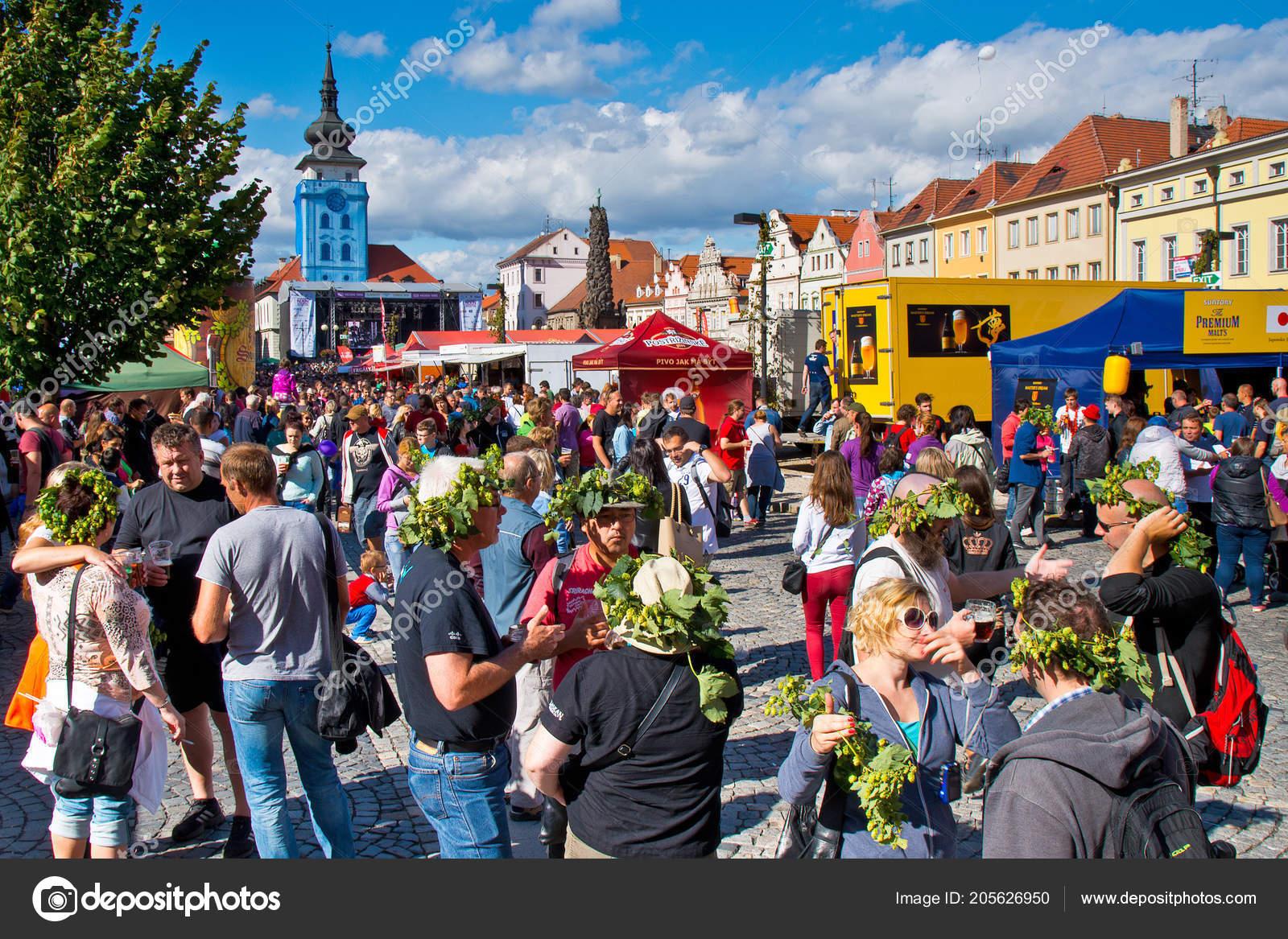 zatec town czech republic september 2015 people hops wreath head
