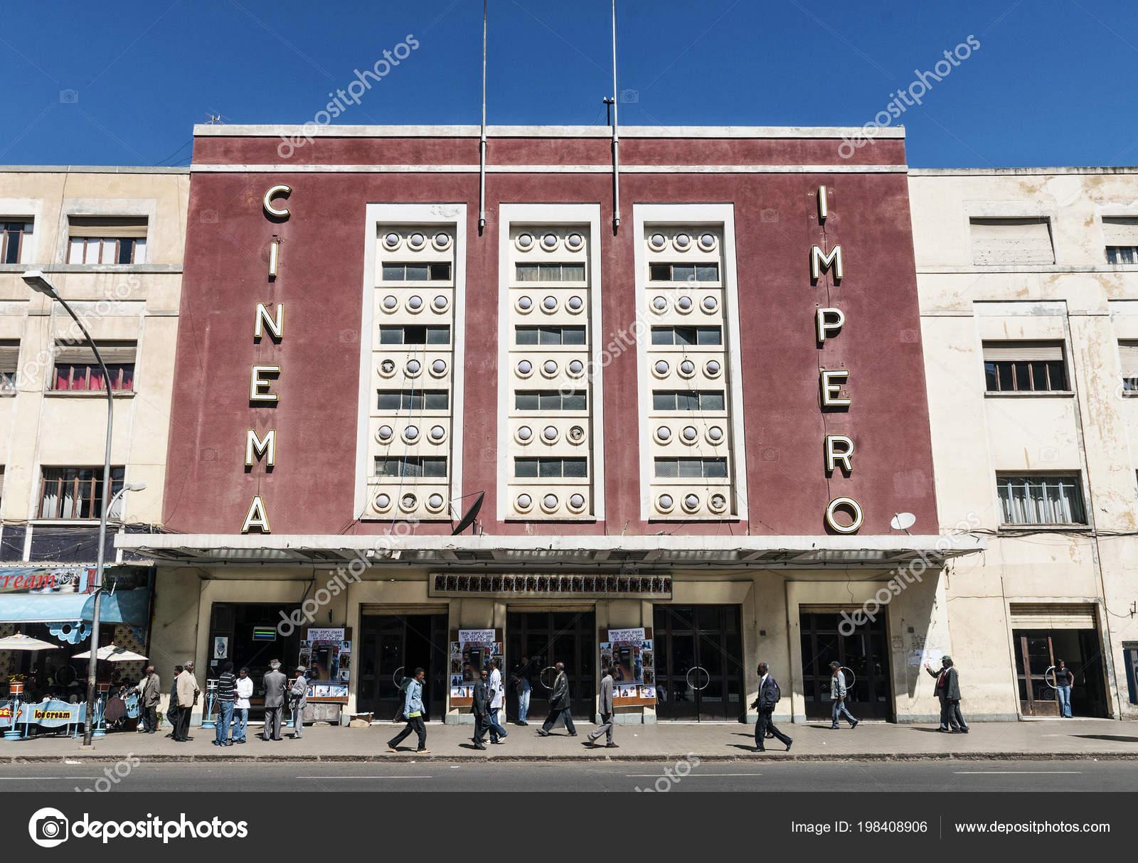 Oude bioscoop italiaanse koloniale art deco gebouw centrale asmara