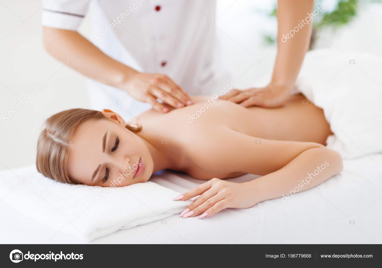 Массаж девушка картинки аренда салон эротического массажа