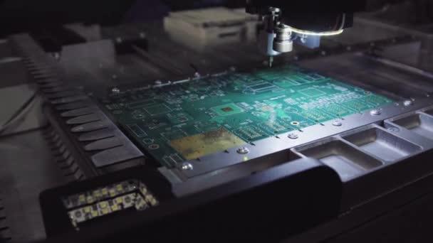 Leiterplatten Produktionsfabrik. Technologischen Prozess. Fabrik für die Produktion der Mikrochip. Herstellung von elektrischen Platten werkseitig