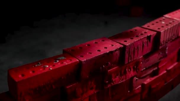 Detailní záběr z průmyslových zedník instalace cementové cihly na darc místnost. V UK. Koncepce rozvoje. Vytvořit sami