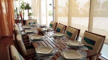 Interior Del Restaurante De Verano Con Muebles Blancos Un