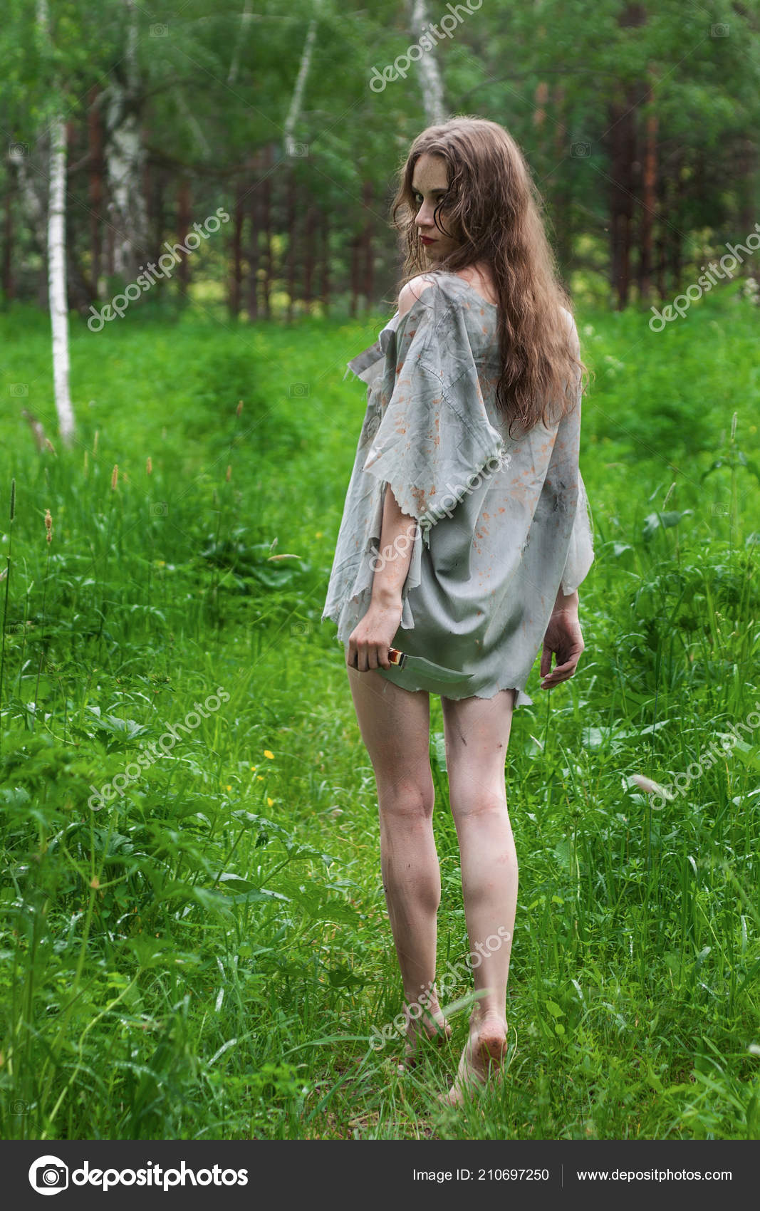 Девушки в разодранной одежде фото — img 8