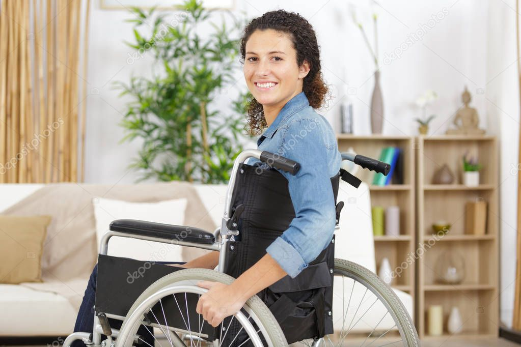 pretty-women-in-wheelchair