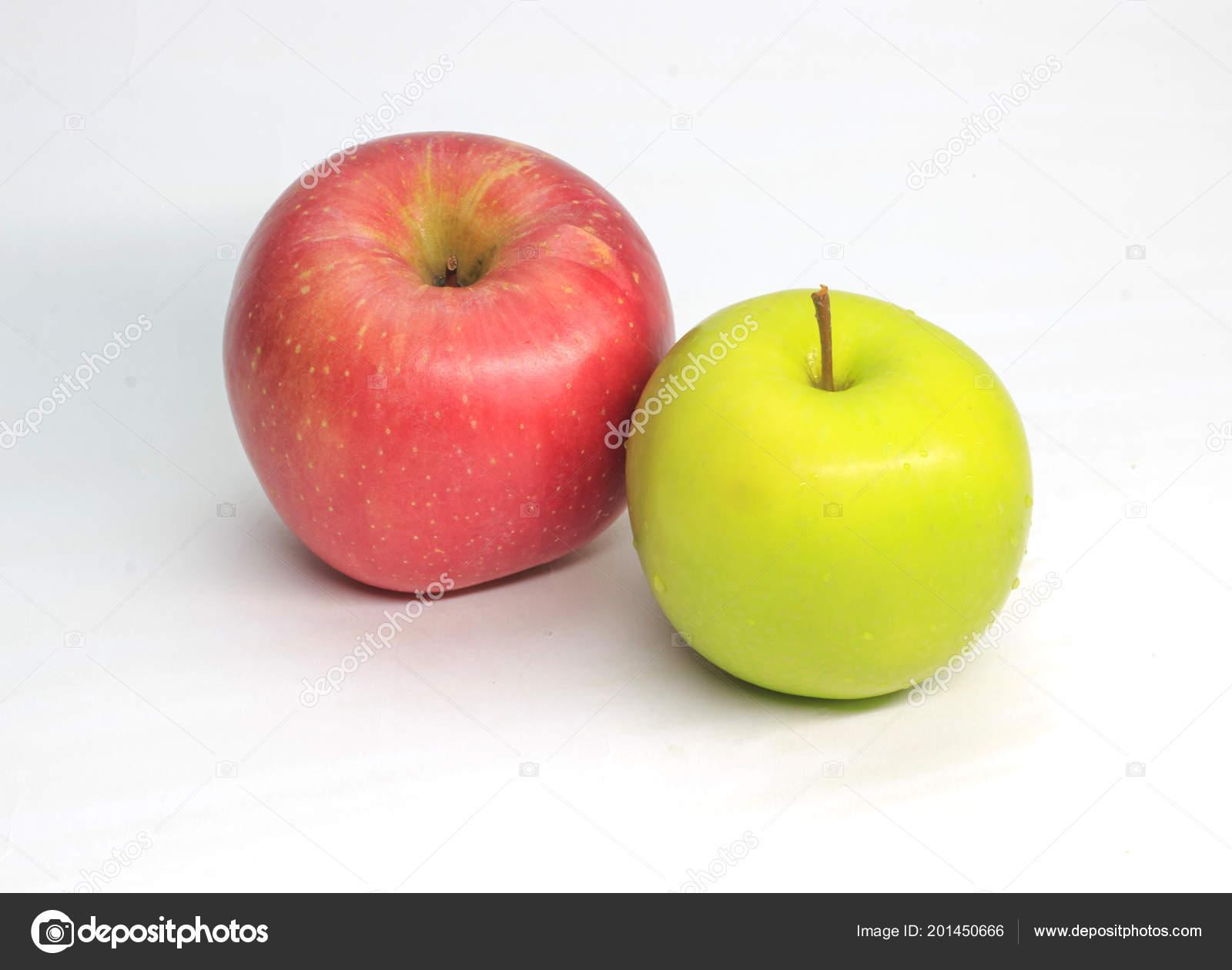 Immagini Sfondi Rossi Apple Apple Rosso Verde Sfondo Bianco