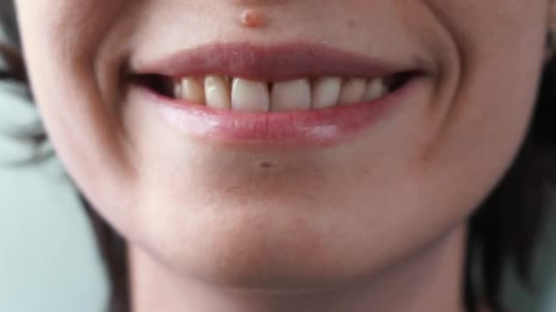 smile with teeth