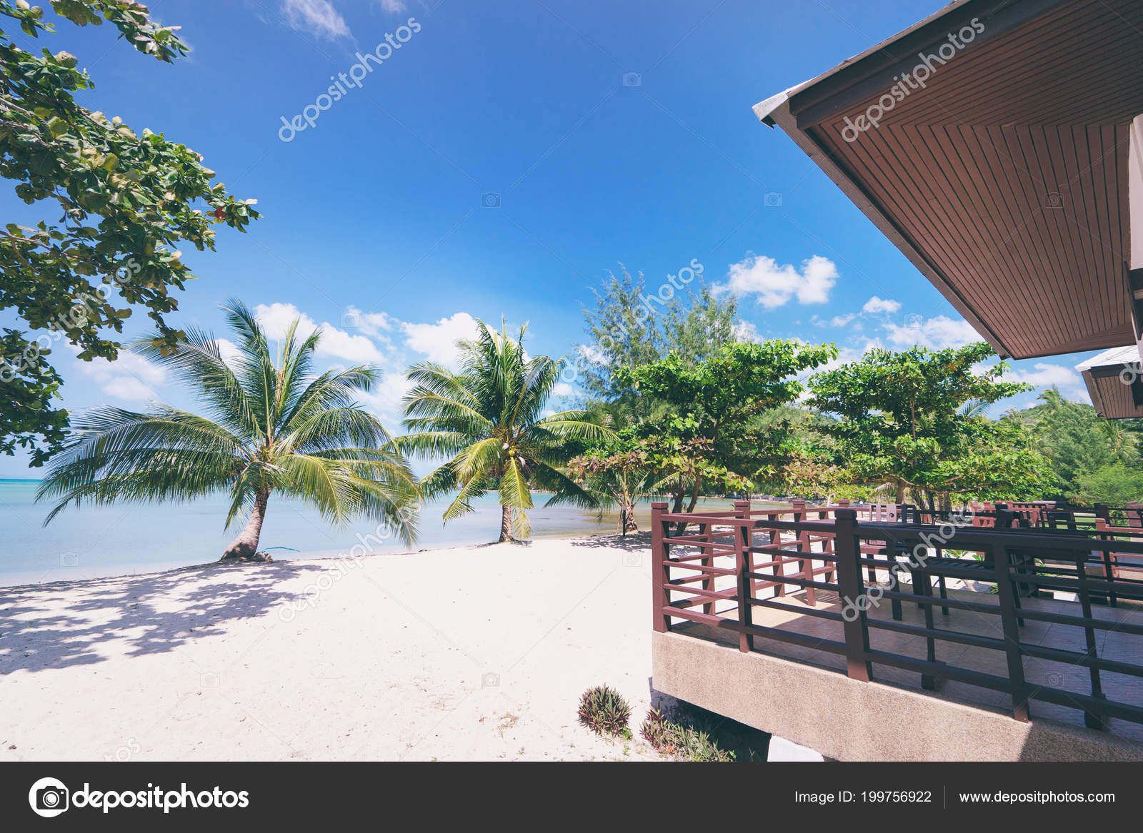 Meer Strand Resort Kleine Häuschen Mit Balkon Strand ...