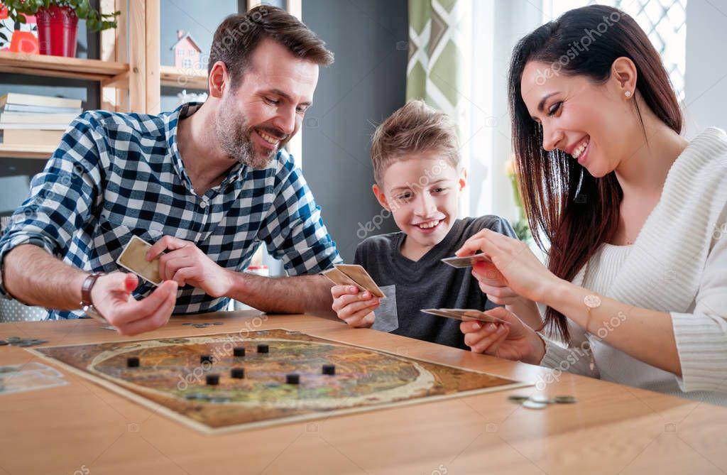 joy family friendly gaming - HD2000×1307