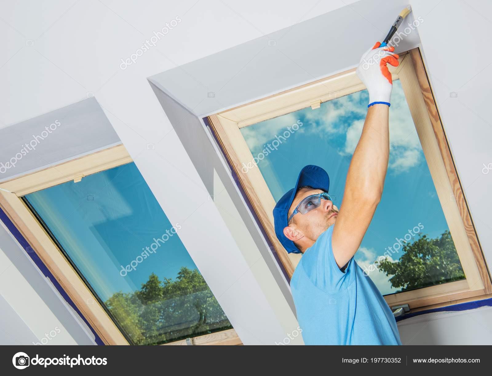 Caucasien Chambre Peintre Au Travail. Repeindre La Chambre De Lu0027appartement  U2014 Image De Welcomia