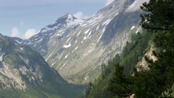 Rakušané Alpy letní krajina. Tyrolsko a Korutany
