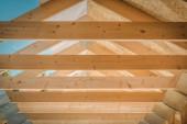 Holzbalken für Hausdächer