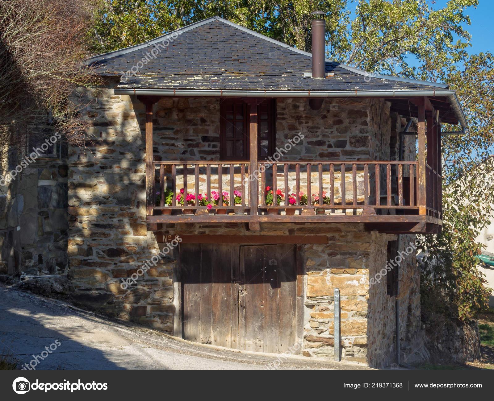 Terraza Soleada Una Casa Tradicional Acebo Castilla León
