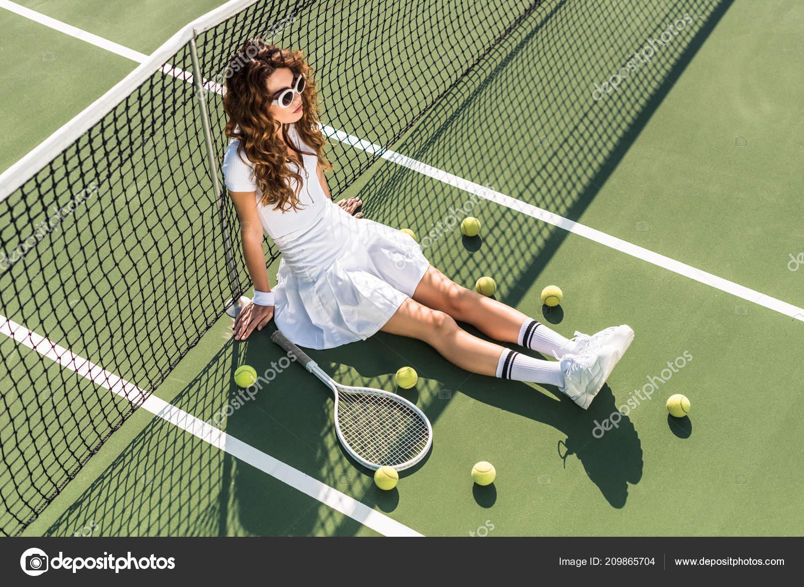 Erhöhte Ansicht Der Jungen Schönen Tennisspieler Weiße