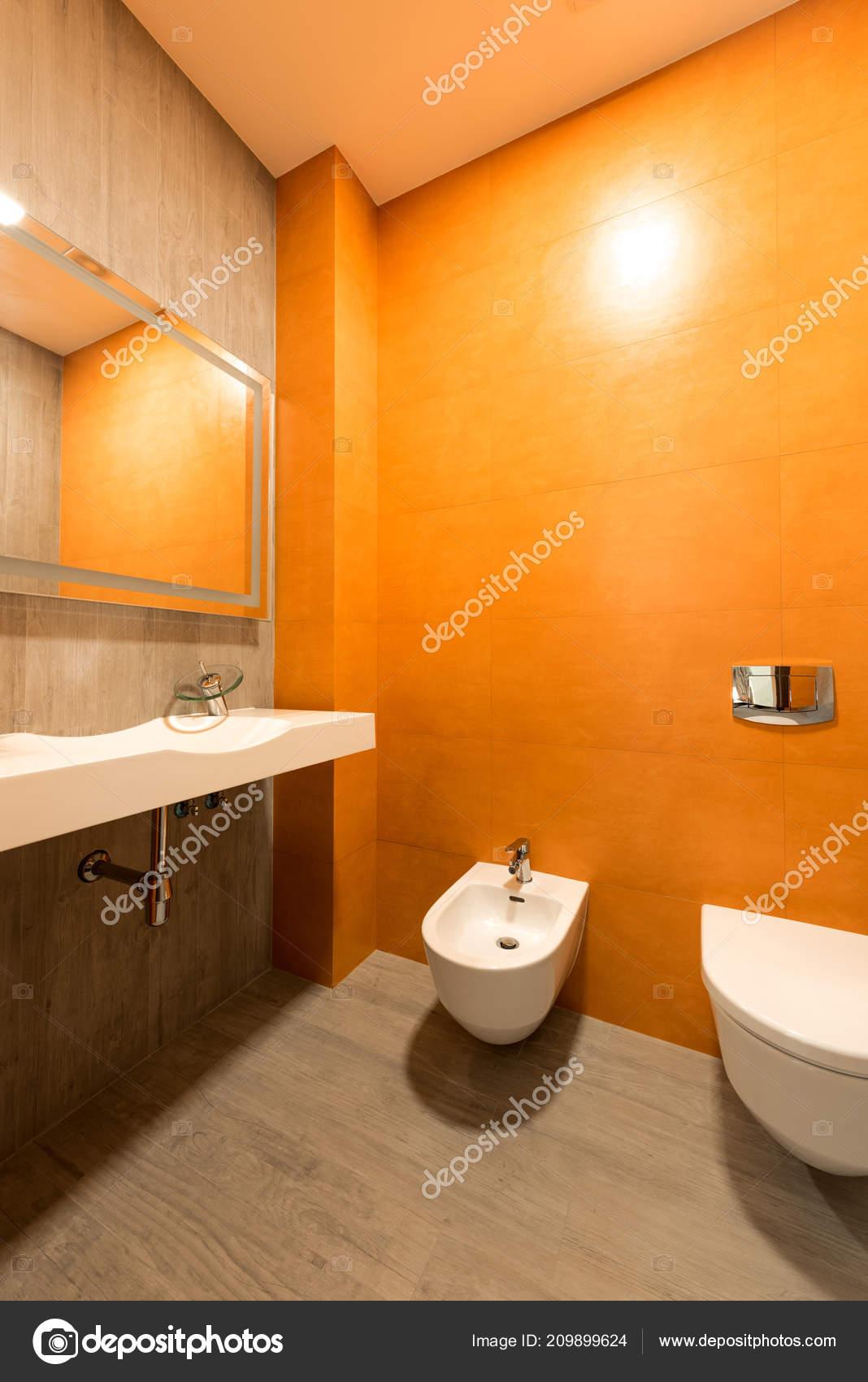 Interieur Salle Bains Moderne Dans Les Couleurs Orange
