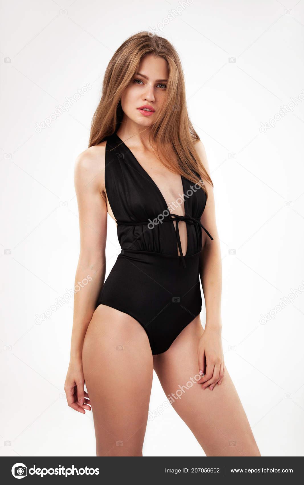 acheter en ligne 4af97 f8fb8 Belle Femme Monokini Noir Sur Fond Blanc — Photographie ...