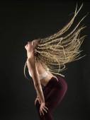 Fotografie sexy Frau tanzt dancehall