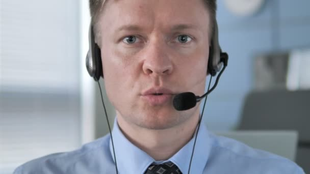 Talking Call Center Agent